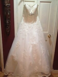 Off white wedding dress size 10-14
