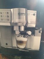 BRAND NEW EC860 DeLonghi Espresso Machine