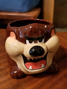 DEVIL TAZ COLLECTIBLE MUG FROM 1989