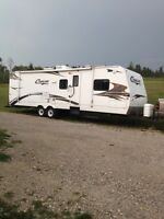 2007 keystone cougar 304bhs , bunk beds and polar pack