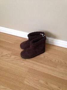 Joe Fresh Size 1 Girls Ugg Style Boots