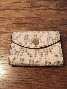 Small Michael Kors wallet