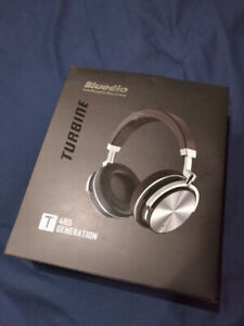 Bluedio  Turbine T4 Bluetooth 4.2 Stereo Headphones w/ mic