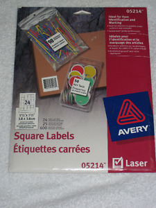 AVERY - SQUARE LABELS (600) - BRANDNEW - 30% OFF SALE!