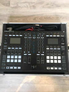 Native Instruments Traktor S8 DJ controller with Flight Case