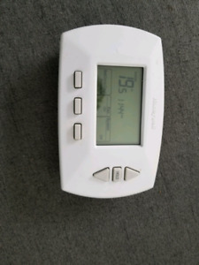 Honey well programmable thermostat