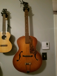 Acoustic Guitar Godin 5th avenue with pickup
