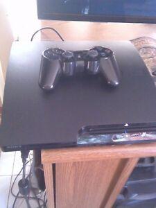 Console Playstation 3 slim 320 gigs avec une manette et 6 jeux