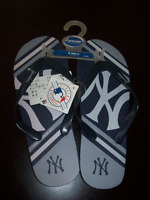 NEW / WOMENS SIZE 7 - 8 NEW YORK YANKEES MLB FLIP FLOP SANDALES City of Montréal Greater Montréal Preview