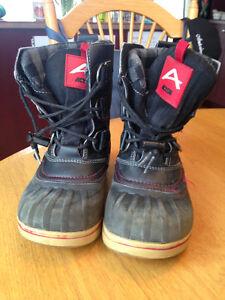 Bottes d'hiver Acton rouge et noir grandeur 13