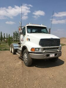 2005 Sterling tractor truck (very low km's)