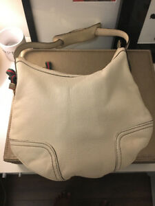 Authentic Gucci Leather Hobo Bag (Ivory)