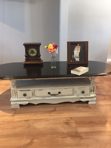 Gorgeous Wood Coffee table FarmHouse Style in EUC