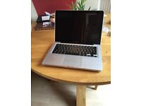 Apple MacBook Pro 13 inch laptop (dual core i7 2.8GHz, 4gb Ram HDD750GB