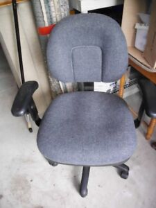 Grey Cloth Swivel Desk Chair with adjustable seat and arms