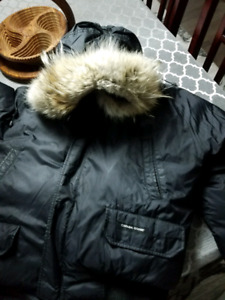 Authentic Canada Goose Yukon Bomber (XL)