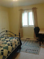 Richmond Hill room for rent; Good for Ladies in an all-Lady home