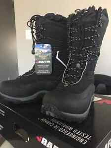 Baffin mens winter boots size 10