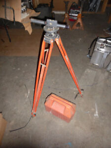 Builders level.tripod and case.