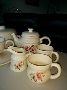 Stoneware - Canisters, gravy boat, teapot & cups etc Kitchener / Waterloo Kitchener Area image 2