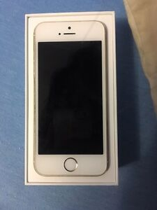Unlocked iPhone 5s gold 32G