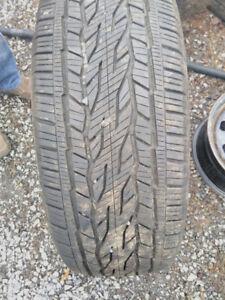 pneu continantal d'été 275/55r20