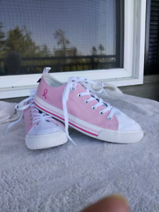 SKICKS™ COMMERATIVE BREAST CANCER SNEAKERS