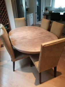 Solid Wood Pedestal Table with 6 Chairs