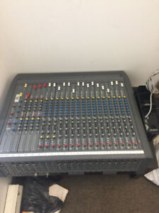 Soundcraft 16 channel mixer (pre-amp/equalizer/controller)