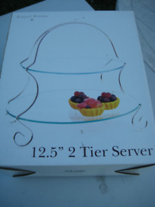 2-Tiered Cake Server - New (still in the orginal box)