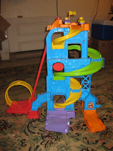 little people car racing tower