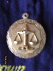 10cts GOLD Scales of Justice (Libra) Pendant (NEW)