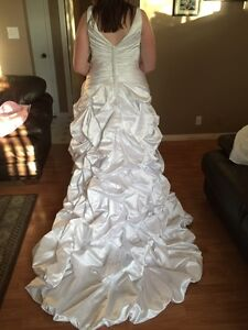 Alfred Angelo Size 18 White Wedding Dress