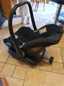 Venicci car seat with isofix base