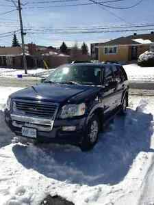 2007 Ford Explorer XLT SUV, 124,500 kms, NO ACCIDENTS!!