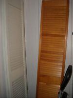 PORTE PLIANTE EN BOIS/WOODEN FOLDING DOOR