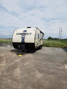 STOLEN TRAILER - Large travel trailer stolen in Niagara Falls