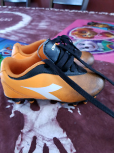Soccer cleats toddler size 9