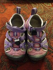 KEEN Sandals - Girls size 8