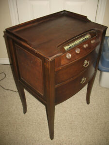 Electrohome chair side antique tube radio turntable combo