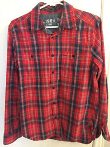 Like New The Gap Plaid Button Up Shirt Size Small