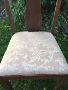 Four Dining Room Chairs for Sale Cambridge Kitchener Area image 3