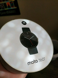 Like New Moto 360 Smart Watch