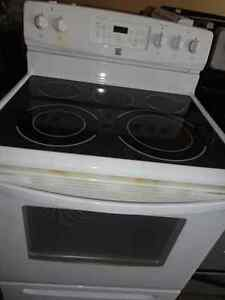 Kenmore Glass Stove in Great Condition