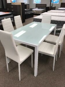 Dining Set: Brand New