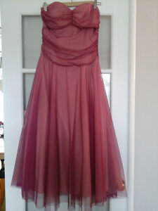 Robe rose pâle neuve!