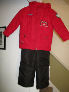 BOYS LIGHTNING MCQUEEN SNOW SUITE SIZE 5, LIKE NEW WORN FEW TIME