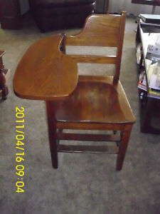 CHAIR WITH SIDE TABLE $20.00 London Ontario image 2