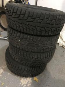 Pneus hiver /winter tires Hankook ipike195 65 r15 95T
