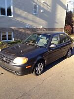 2006 Hyundai Accent (4 door/portes) only/seulement 108000 kms
